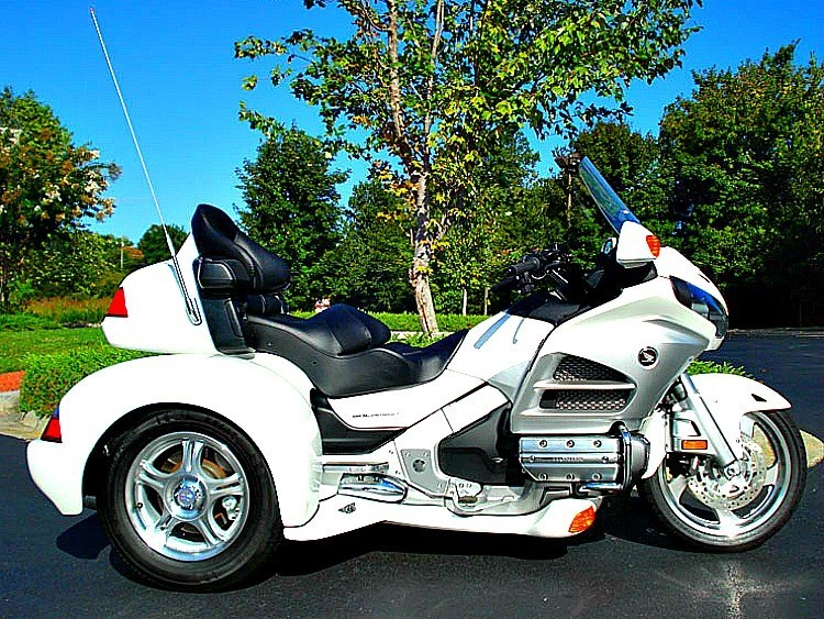 2012 white trike resized